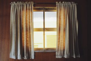 Jakie są najczęstsze awarie okien - Sprawdź przyczyny!